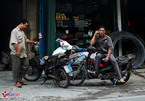 VN cities needs strict measures to persuade residents to abandon old polluting motorbikes