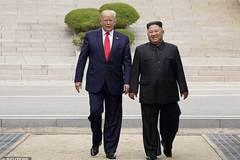 Hé lộ những lá thư 'kiệt tác' Kim Jong Un gửi ông Trump