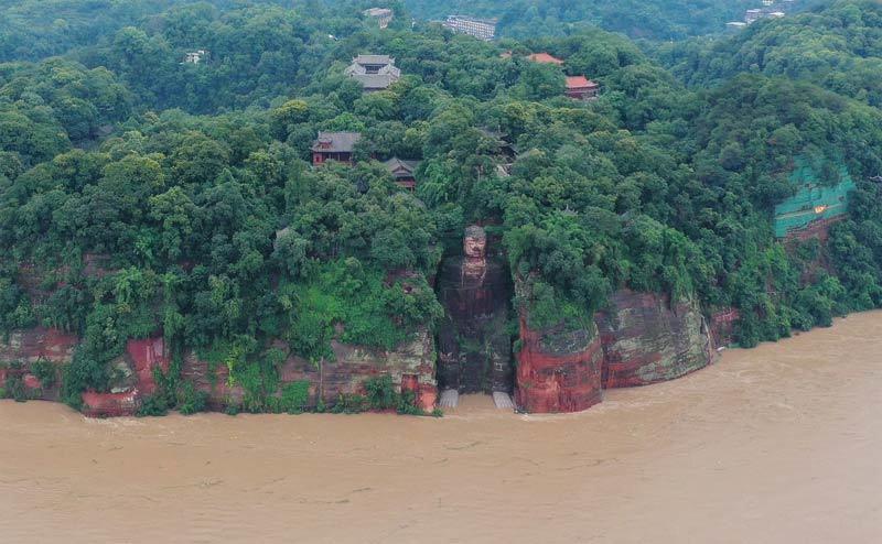 Hình ảnh Trung Quốc tả tơi vì một mùa hè mưa lũ kỷ lục