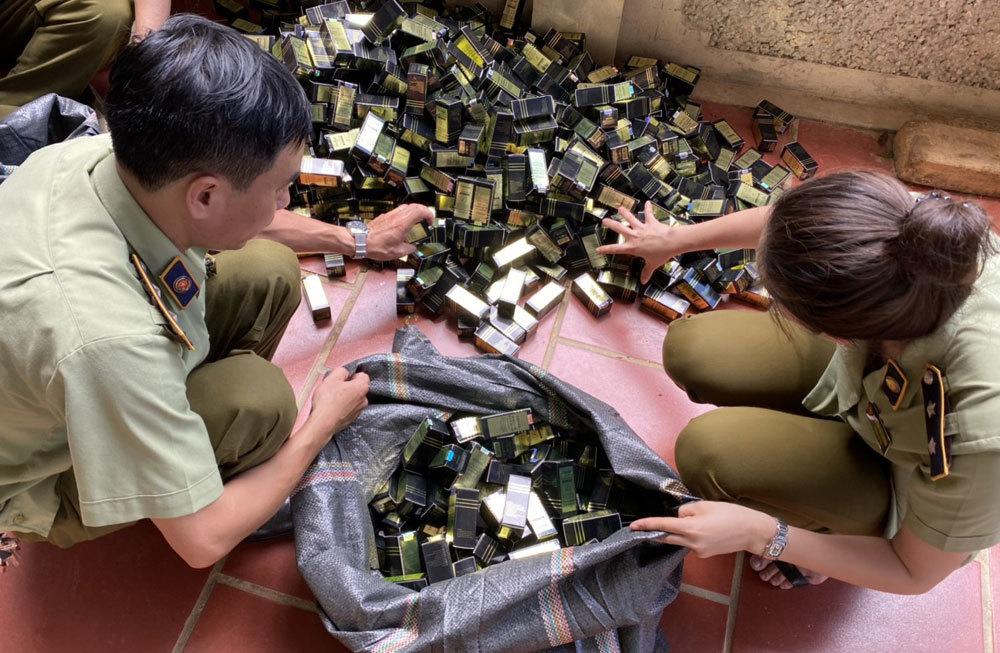 Hàng chục nghìn mỹ phẩm nhập lậu bị thu giữ