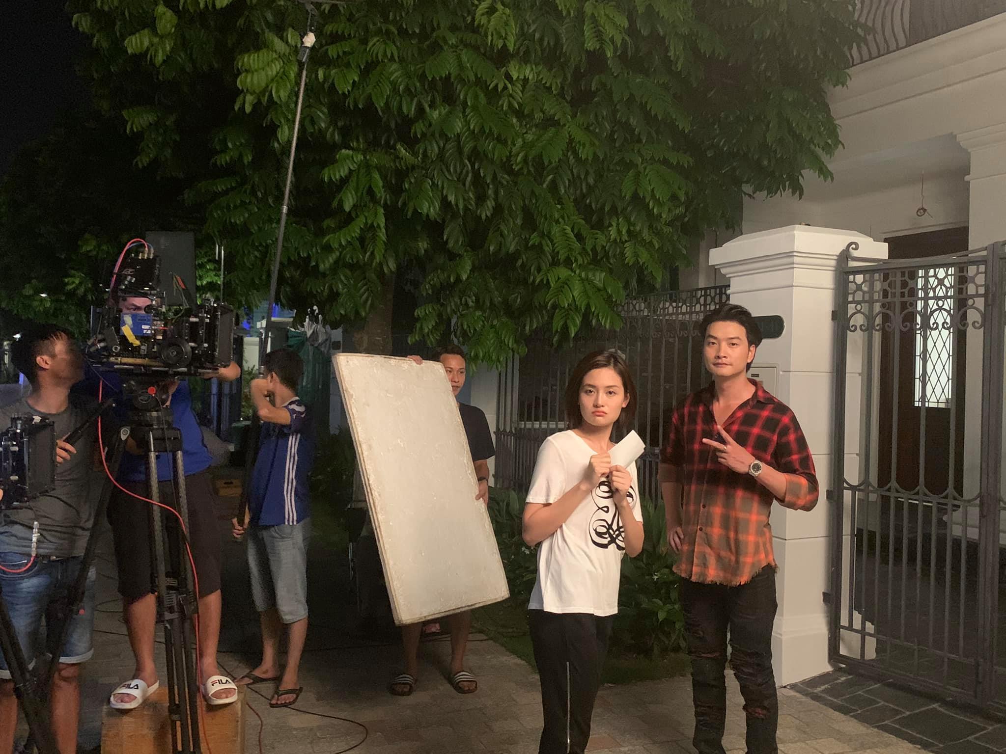 'Trai hư màn ảnh' Trọng Lân kể hậu trường cảnh nhạy cảm với Thùy Anh