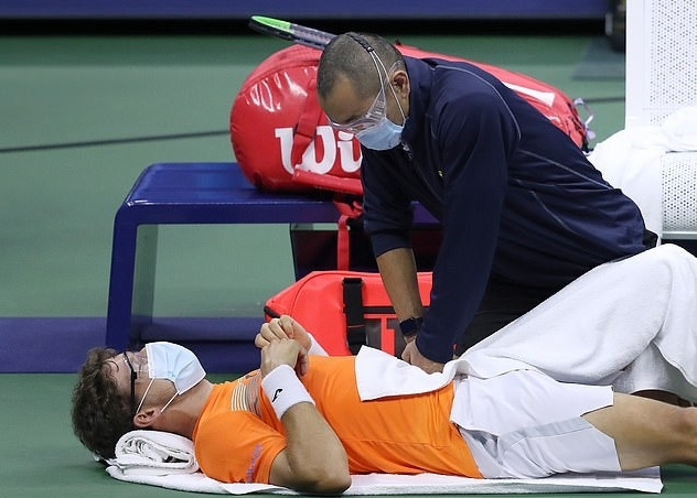 Ngược dòng khó tin, Zverev lần đầu vào chung kết Grand Slam