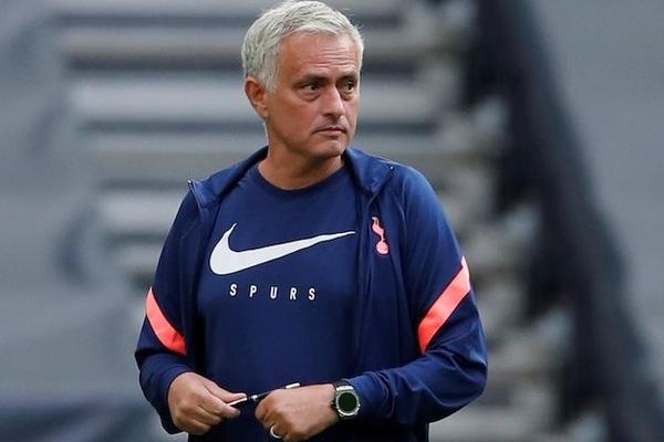 Mourinho bức xúc: Lịch Tottenham thế này thì không phải người