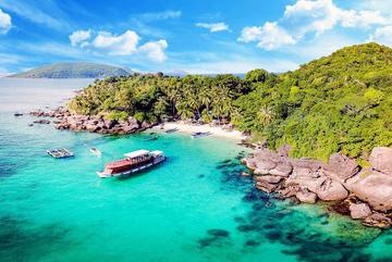 Dễ dàng bay Côn Đảo, dân Việt giảm nhiệt đi Phuket, Bali