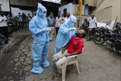 Gần 1 triệu người chết vì Covid-19, ca nhiễm cao kỷ lục ở Pháp
