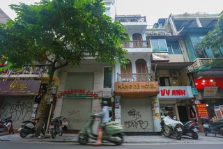 Amid Covid-19 pandemic, hotels in Hanoi Old Quarter up for sale