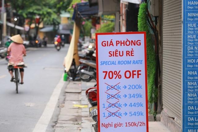 'Buốt ruột' vì vắng khách, chủ khách sạn phố cổ Hà Nội rao bán trăm tỷ đồng