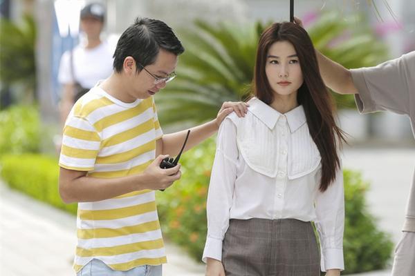 Nữ chính 'Tình yêu và tham vọng' liên tục bị chê, đạo diễn nói gì?