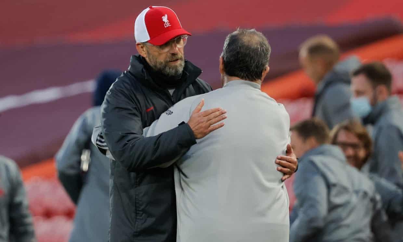 Liverpool thắng chật vật: Klopp đau đầu vì Van Dijk
