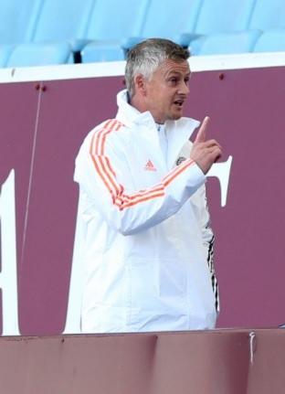 Solskjaer phấn khởi với Van de Beek, dù MU thua trận
