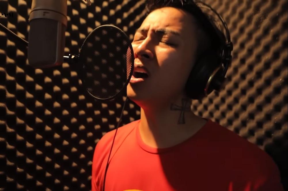 Sau 'Hoa nở không màu', Hoài Lâm lại gây sốt khi hát nhạc phim