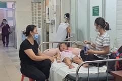 Thêm 2 cô giáo và 23 học sinh nhập viện nghi do ngộ độc thực phẩm
