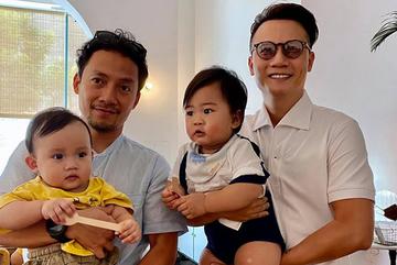 Tiến Đạt và Hoàng Bách hạnh phúc bên 2 con trai nhỏ