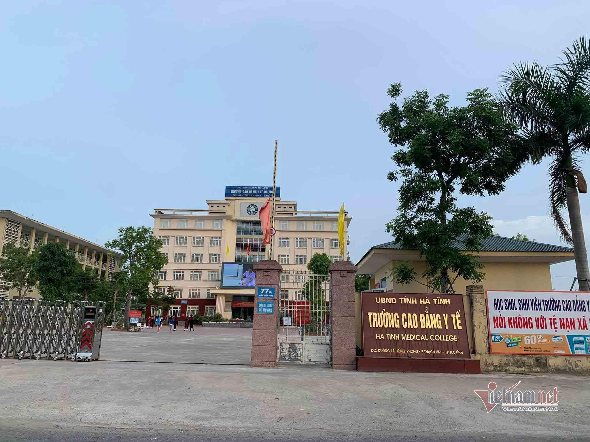 Hàng trăm học viên Cao đẳng Y tế Hà Tĩnh bất ngờ bị thu hồi bằng tốt nghiệp
