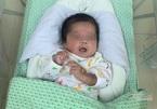 Hành trình giải cứu thai nhi bị phá bỏ ở tuần thai 31