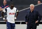 Tottenham ra quân thất bại: Ai cứu được Mourinho?
