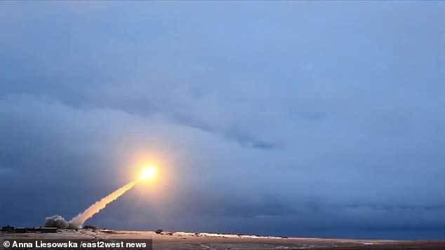 Tên lửa siêu việt của Nga khiến tình báo Anh lo sốt vó
