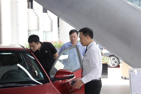 Auto market,registration fee cut,casinos