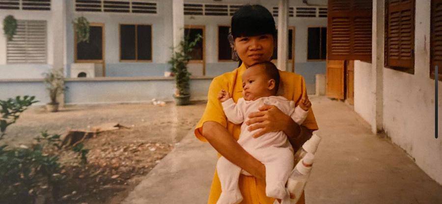 Cô gái Pháp tha thiết tìm lại mẹ đẻ người Việt