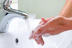 Thói quen rửa tay với xà phòng: Dễ mà khó