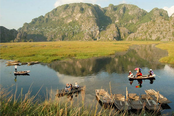 Tours of Ninh Binh Province provide unique experiences for travelers