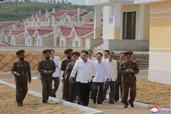 Kim Jong Un nức lời khen quân đội Triều Tiên