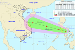 Áp thấp nhiệt đới sắp vào Biển Đông, khả năng mạnh thành bão