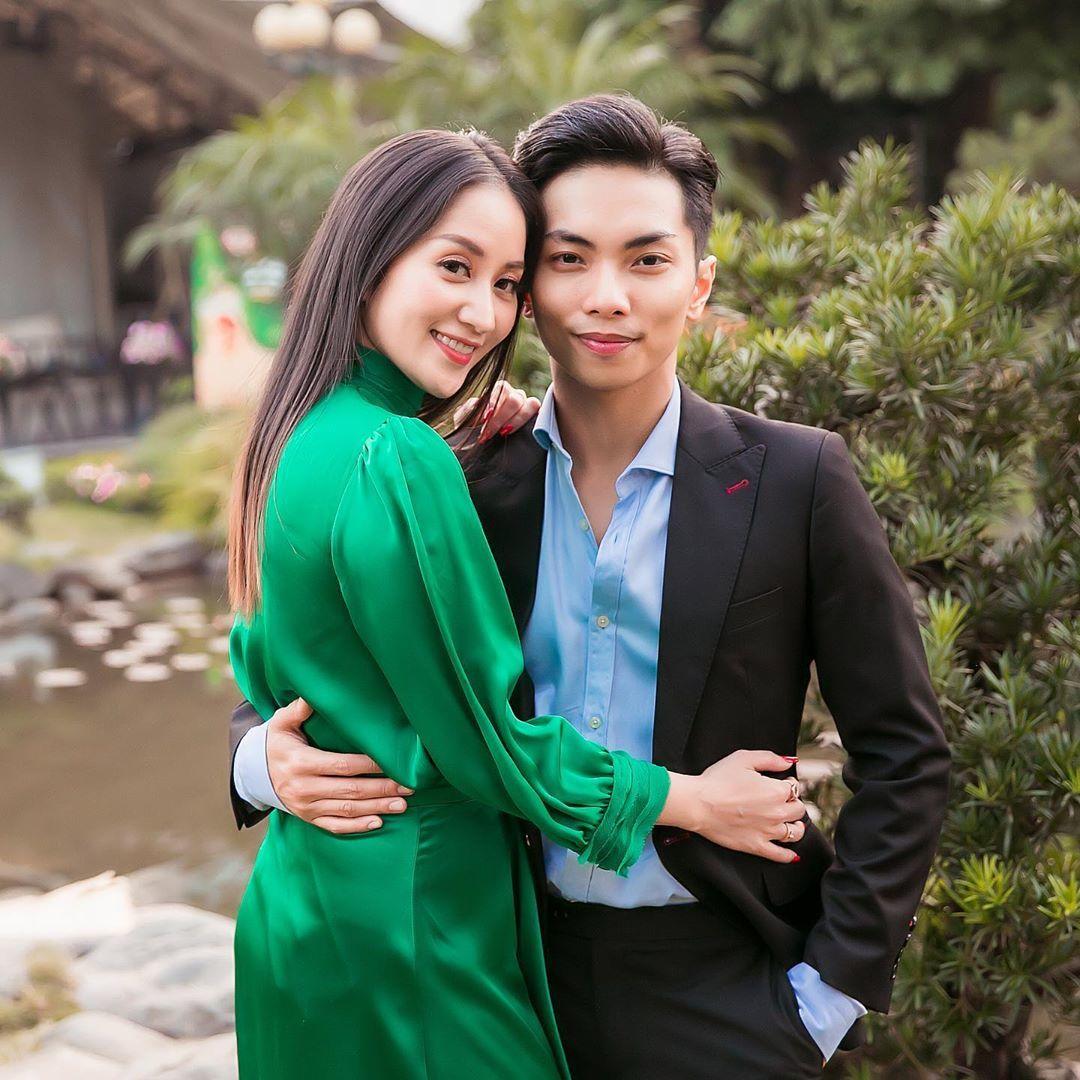 Những khoảnh khắc 'tình bể bình' của Khánh Thi và chồng kém 12 tuổi