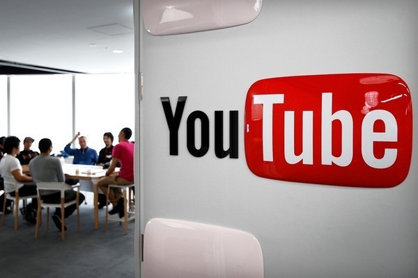 Vloggers fined, but YouTube still winks at improper videos