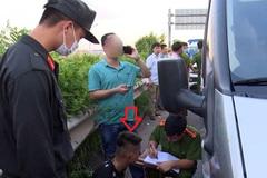 Khởi tố tài xế và phụ xe tông cảnh sát cơ động tử vong