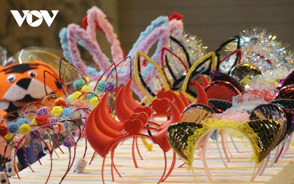 Hang Ma Street gears up for start of Mid-Autumn festival