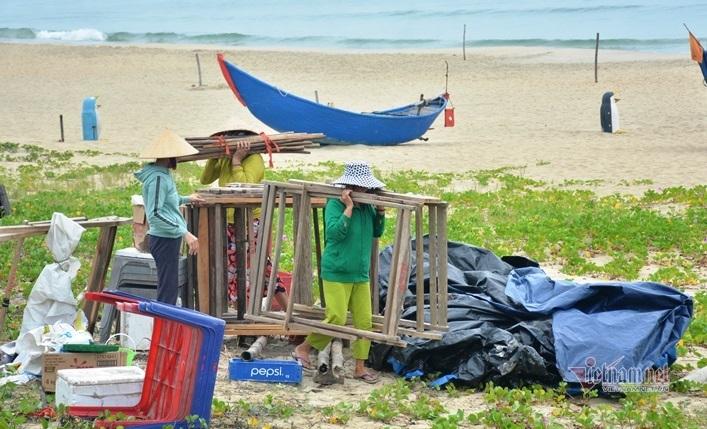Đà Nẵng, Quảng Nam gấp rút gặt lúa, chèn chống nhà tránh bão số 5