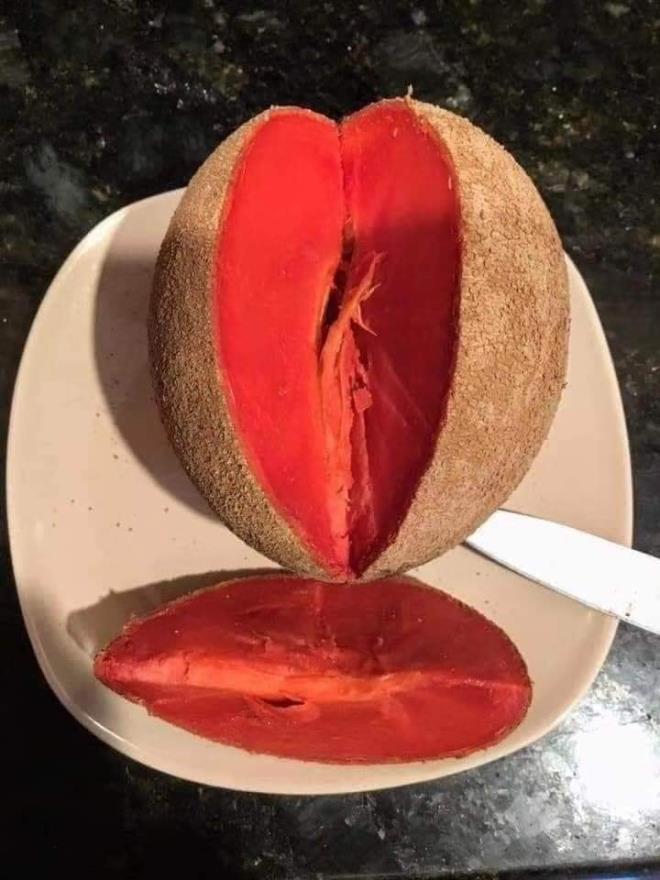 4 loại quả ruột đỏ giá 'chát' vẫn hút khách Việt