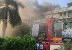 Cháy lớn tại quán karaoke trên đường Hoàng Quốc Việt