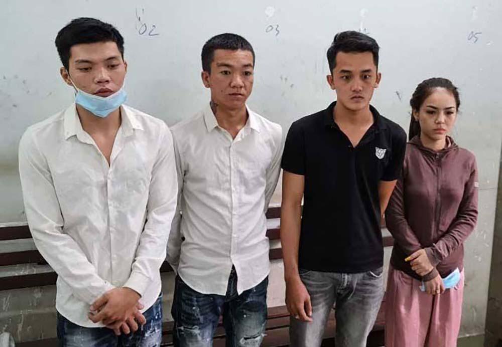 Đâm chém loạn xạ trong quán nhậu ở Sài Gòn, một người chết