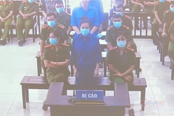 Giám đốc Trung tâm Đấu giá Thái Bình cùng nữ đại gia Nguyễn Thị Dương hầu tòa