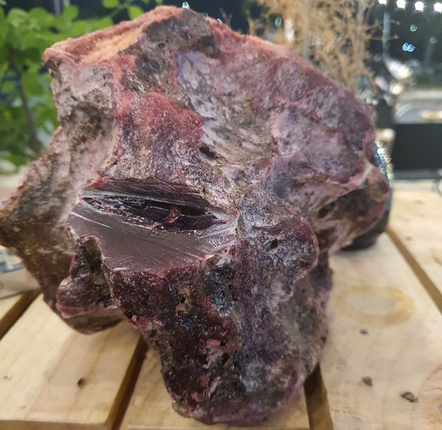 Những hòn đá tiền tỷ: 'Lộc trời' bán vội cũng giúp chủ nhân 'đổi đời'