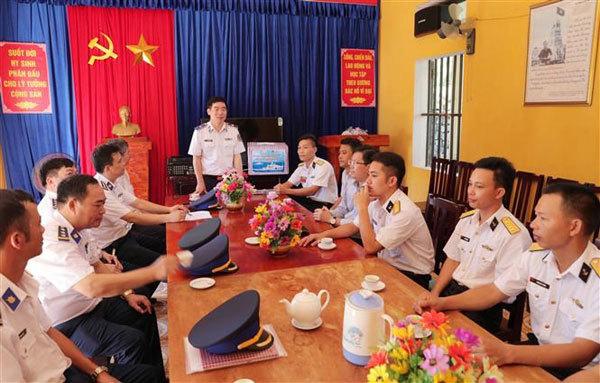 Vietnamese coast guards,fishermen