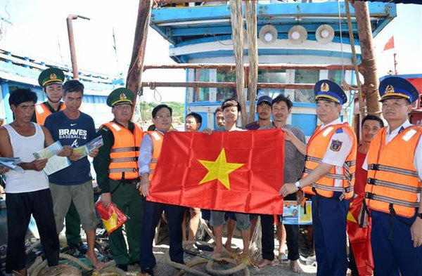 Programme upholds ties between Vietnamese coast guards and fishermen