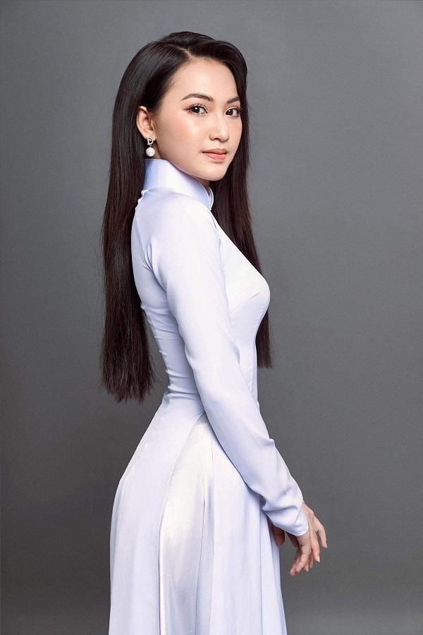 Thí sinh mặt như búp bê, nhuộm lại tóc thi Hoa hậu Việt Nam 2020