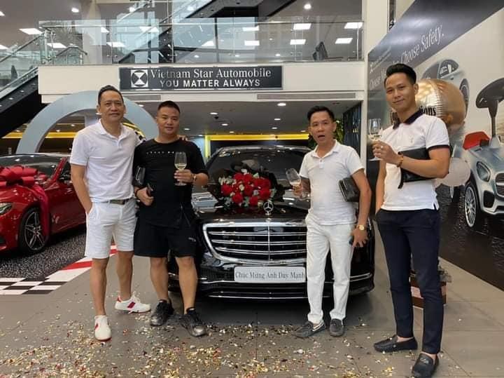 Loạt xe sang tiền tỷ mới tậu của sao Việt