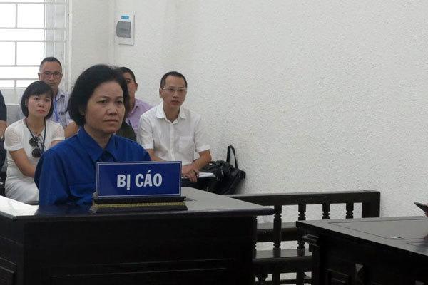 Cựu giảng viên đại học ở Hà Nội thực hiện màn lừa khó tin