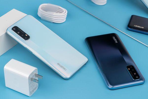 "Mở hộp Realme 7, smartphone ""ngon bổ rẻ"" sắp ra mắt"