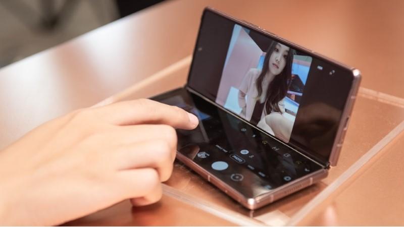 Chưa có ngày ra mắt, 1.000 chiếc Galaxy Z Fold2 đầu tiên vẫn bị đặt trước hết