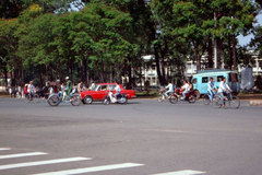 Interesting photos showcase Saigon traffic in 1989