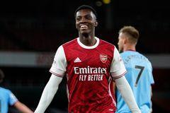 """Arsenal thắng nghẹt thở nhờ """"gà son"""" Nketiah"""