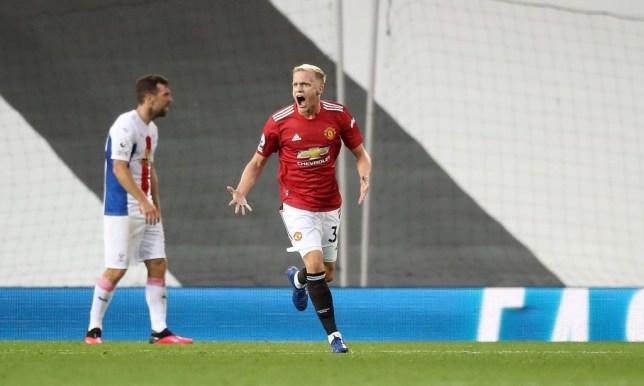 Van de Beek chỉ trích đồng đội MU sau trận thua sốc ra mắt