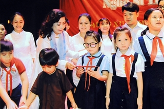 Cai luong guru to release CD on her 65-year-long career