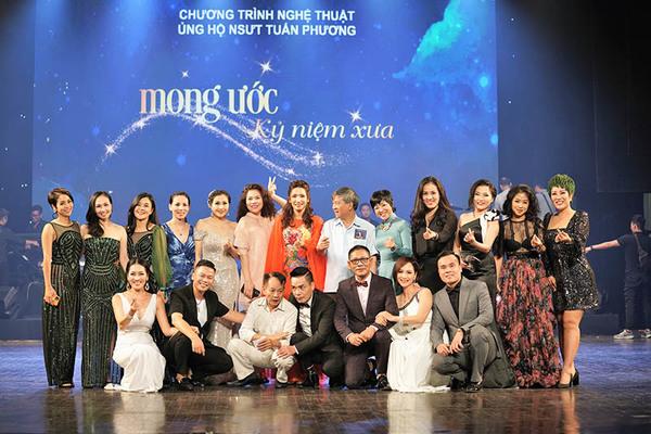 Đêm nhạc ủng hộ ca sĩ Tuấn Phương gây quỹ được 700 triệu đồng