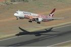 Chuyến bay không đích bán sạch vé trong vài phút
